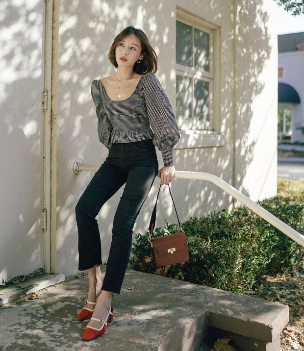 Gái Hàn có 8 cách mix đồ với quần đen, mỗi ngày diện một kiểu đảm bảo không sợ mang tiếng nhạt nhẽo! - Ảnh 6.
