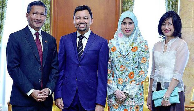 """17 tuổi từ thường dân bỗng thành vợ Thái tử, """"nàng Lọ lem đẹp tựa tiên nữ"""" của Hoàng gia Brunei giờ ra sao sau 17 năm? - Ảnh 11."""