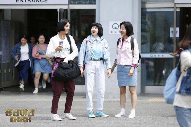 4 phim Hàn khiến bạn loá mắt bởi style retro: Phong cách khiến giới mộ điệu phát sốt, xem xong học hỏi được 1 rổ tips phối đồ - Ảnh 16.