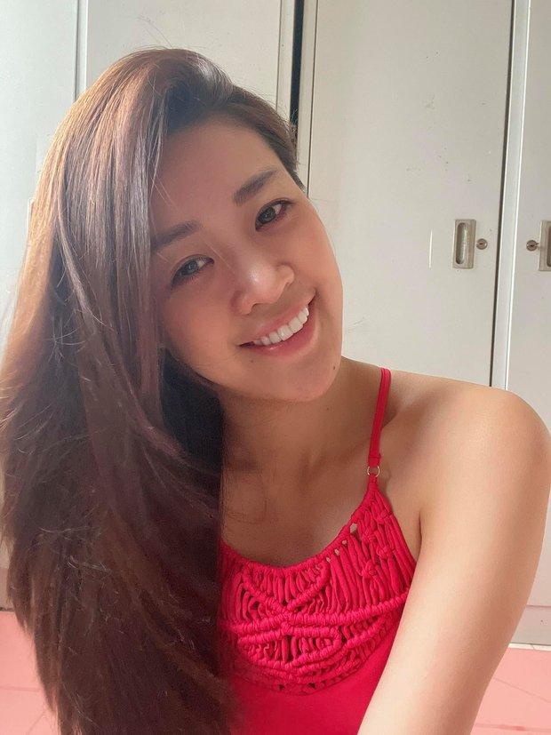 Khánh Vân khoe mặt mộc cực phẩm tại khu cách ly tập trung, quả xứng danh top 21 Miss Universe - Ảnh 2.