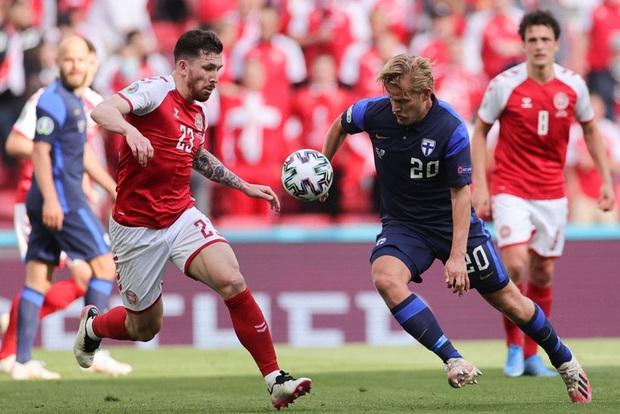 Kiên cường gượng dậy sau sự cố kinh hoàng, Đan Mạch lại thua đau Phần Lan dù được đá penalty - Ảnh 1.