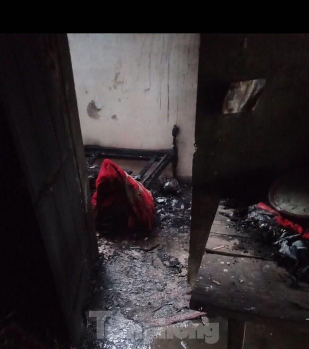 Nghịch lửa, bé trai 8 tuổi gây cháy nhà, chết thảm - Ảnh 1.