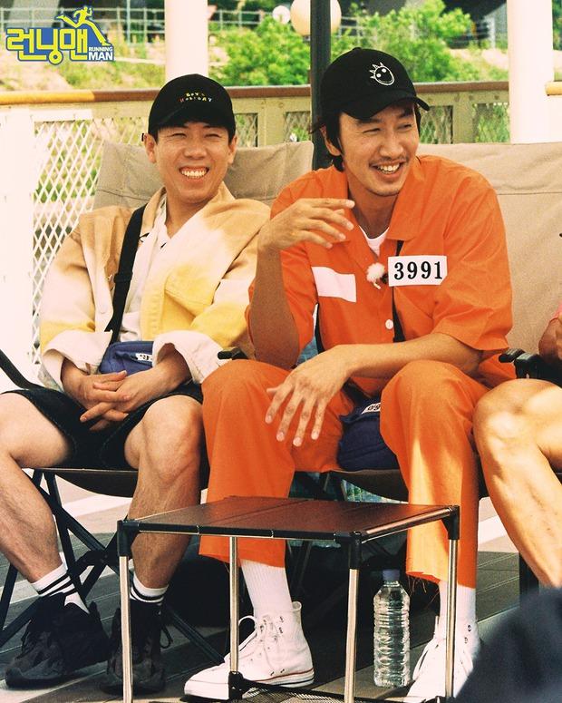 Tâm thư 7 thành viên gửi Lee Kwang Soo trước khi rời chương trình, fan đọc tới đâu khóc tới đó - Ảnh 7.