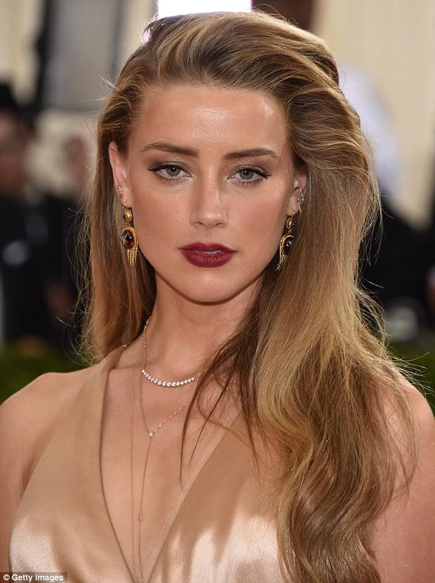 Truy tìm sinh đôi của sao Hollywood: Góa phụ đen và nữ chính Aquaman giống bất ngờ, ngã ngửa khi kéo đến Justin và Miley - Ảnh 13.