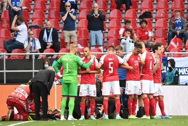 Kiên cường gượng dậy sau sự cố kinh hoàng, Đan Mạch lại thua đau Phần Lan dù được đá penalty - Ảnh 3.