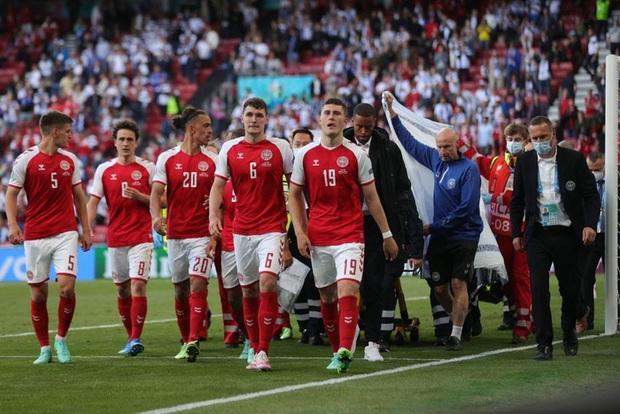 Kiên cường gượng dậy sau sự cố kinh hoàng, Đan Mạch lại thua đau Phần Lan dù được đá penalty - Ảnh 4.