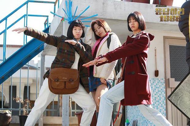 4 phim Hàn khiến bạn loá mắt bởi style retro: Phong cách khiến giới mộ điệu phát sốt, xem xong học hỏi được 1 rổ tips phối đồ - Ảnh 22.