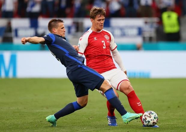 Kiên cường gượng dậy sau sự cố kinh hoàng, Đan Mạch lại thua đau Phần Lan dù được đá penalty - Ảnh 9.