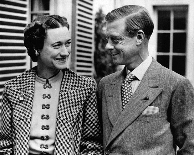 Mối tình hoàng gia huyền thoại nước Anh: Vị vua duy nhất thời hiện đại si tình đến mức từ bỏ cả ngai vàng để cưới người phụ nữ đã qua 2 lần đò - Ảnh 6.