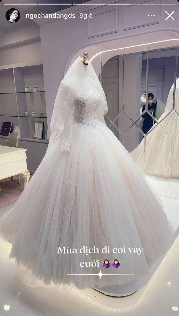 Hoa hậu Ngọc Hân chính thức hé lộ váy cưới, chỉ 1 chi tiết đã chứng minh hôn lễ hoành tráng đến tới nơi rồi! - Ảnh 2.