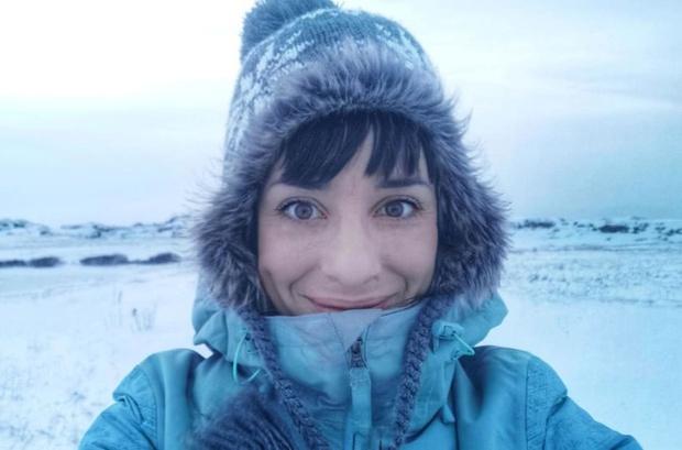 Quá sợ COVID-19, gái xinh chạy một mạch tới Bắc Cực sống cho khỏi bị lây - Ảnh 5.