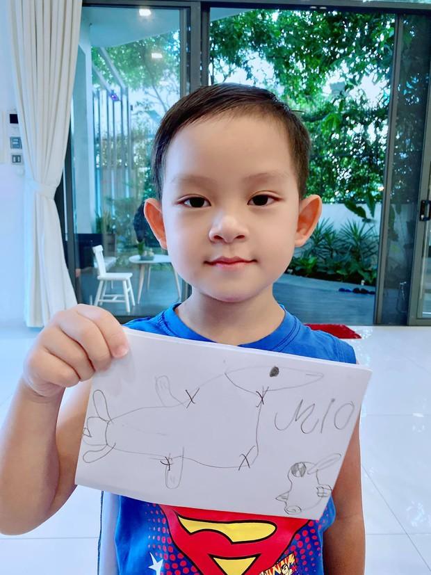 Lý Hải - Minh Hà cầu cứu fan trao giải vẽ tranh tại gia cho các con: Cậu cả vẫn luôn đỉnh nhưng trùm cuối mới cạn lời! - Ảnh 4.