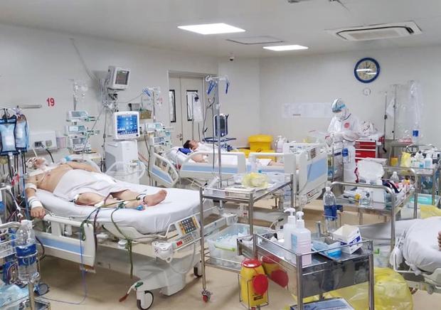 Chùm ảnh: Bên trong BV Bệnh Nhiệt đới TP.HCM, nơi đang được phong tỏa khi có 55 nhân viên nhiễm Covid-19 - Ảnh 2.