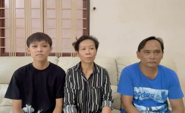 Sau clip náo loạn MXH của gia đình Hồ Văn Cường, Phi Nhung có viết 2 từ lên Facebook thôi mà gây xôn xao dư luận - Ảnh 3.