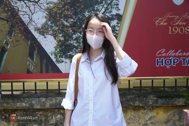 8.000 thí sinh thi vào các trường chuyên hot nhất Hà Nội: Đề siêu hay và khó - Ảnh 8.