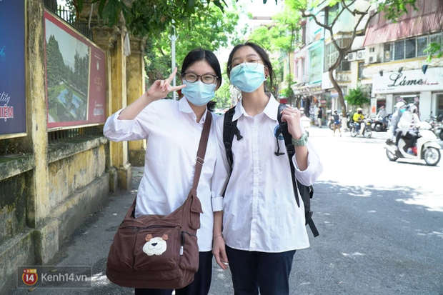 8.000 thí sinh thi vào các trường chuyên hot nhất Hà Nội: Đề siêu hay và khó - Ảnh 9.