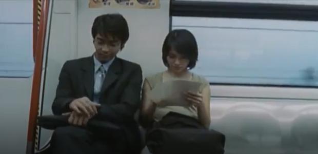 Bóng trắng ghê rợn xuất hiện ngay trên phim của Ảnh hậu Kim Mã, chấn động 19 năm rồi vẫn chưa có lời giải thích! - Ảnh 2.