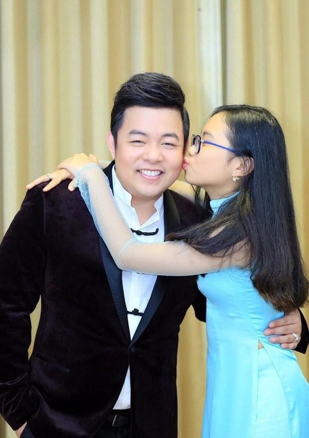 Quang Lê đăng ảnh cực tình cảm với con nuôi Phương Mỹ Chi, netizen lập tức spam ảnh Phi Nhung và Hồ Văn Cường để so sánh - Ảnh 5.