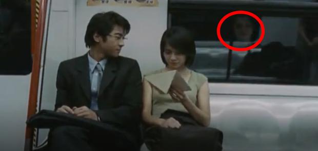 Bóng trắng ghê rợn xuất hiện ngay trên phim của Ảnh hậu Kim Mã, chấn động 19 năm rồi vẫn chưa có lời giải thích! - Ảnh 3.