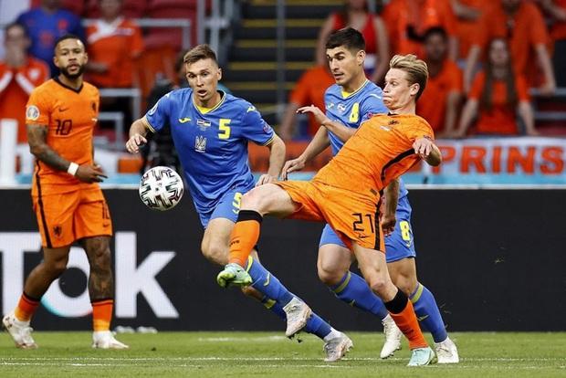 Hà Lan thắng hú hồn sau màn rượt đuổi mãn nhãn với 5 bàn thắng trong hiệp 2 - Ảnh 2.