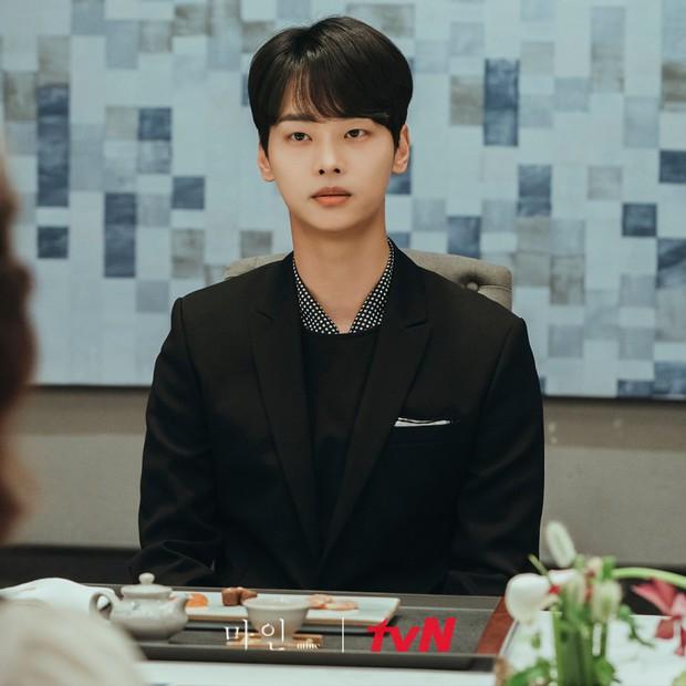 Đàn ông ở Mine toàn những niềm đau, bảo sao mợ cả Kim Seo Hyung lại chẳng cân đẹp dàn nữ chính - Ảnh 5.