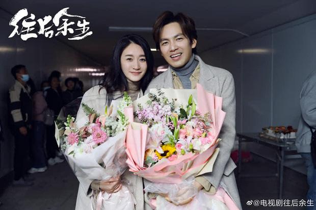 Fan bay não vì phim mới của Chung Hán Lương quá cẩu huyết: Nữ chính lăn giường để cứu con, nam chính cuối cùng bị điên? - Ảnh 1.