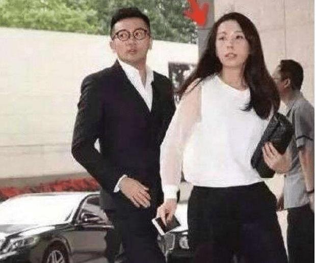 HOT nhất Cbiz: Tô Hữu Bằng bí mật kết hôn với tiểu thư nhà giàu được 10 năm, Triệu Vy - Lâm Tâm Như còn gọi chị dâu rồi? - Ảnh 6.