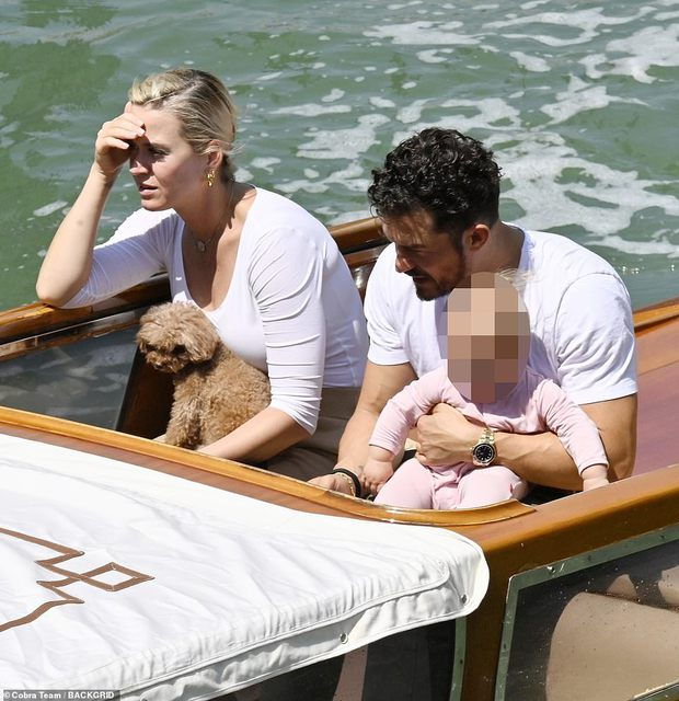 Katy Perry và Orlando Bloom đưa con gái đi du thuyền, dân tình chỉ để ý đến biểu cảm khó ở làm rộ nghi vấn toang của cặp đôi - Ảnh 2.