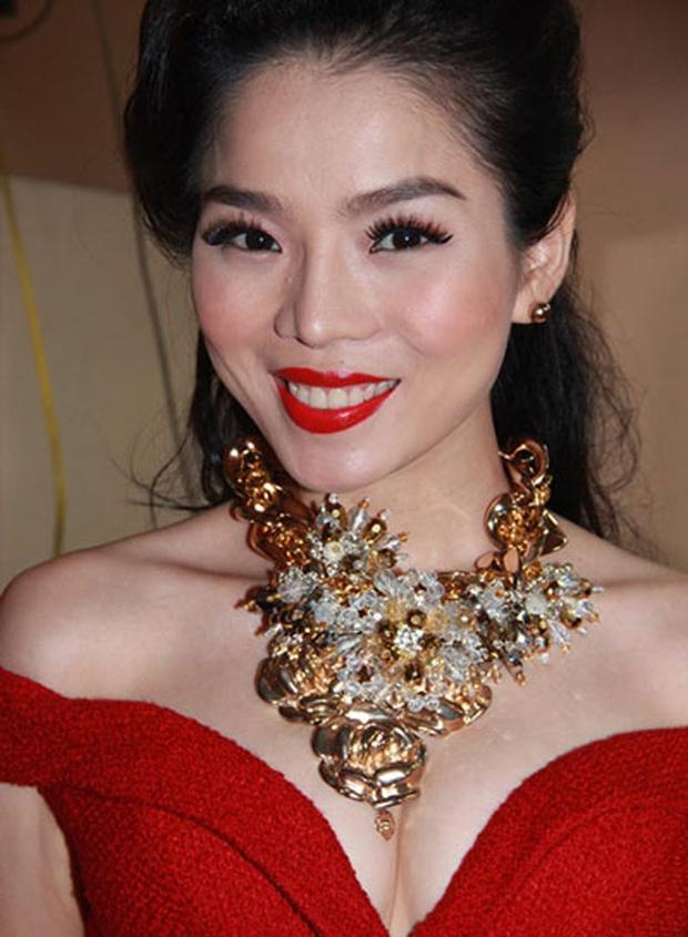 Thi thoảng nhìn lại ảnh cũ của sao Việt mà giật mình: Quá trời mỹ nhân makeup sợ phát khiếp - Ảnh 1.