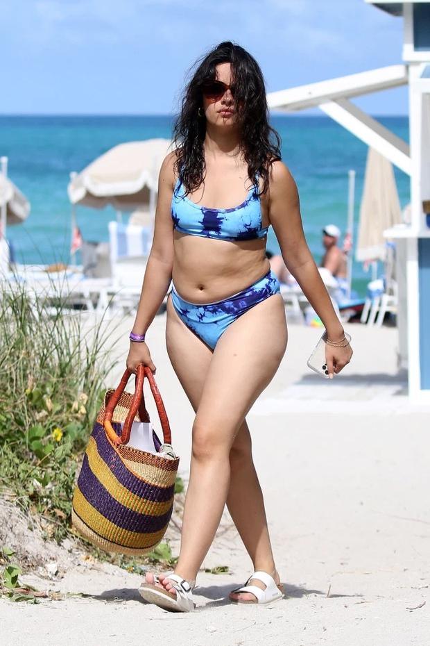 2 sắc thái của cặp đôi Shawn - Camila: Chàng bảnh khỏi chê, nhìn sang nàng phát hoảng vì body làm rộ lên nghi vấn mang thai - Ảnh 5.