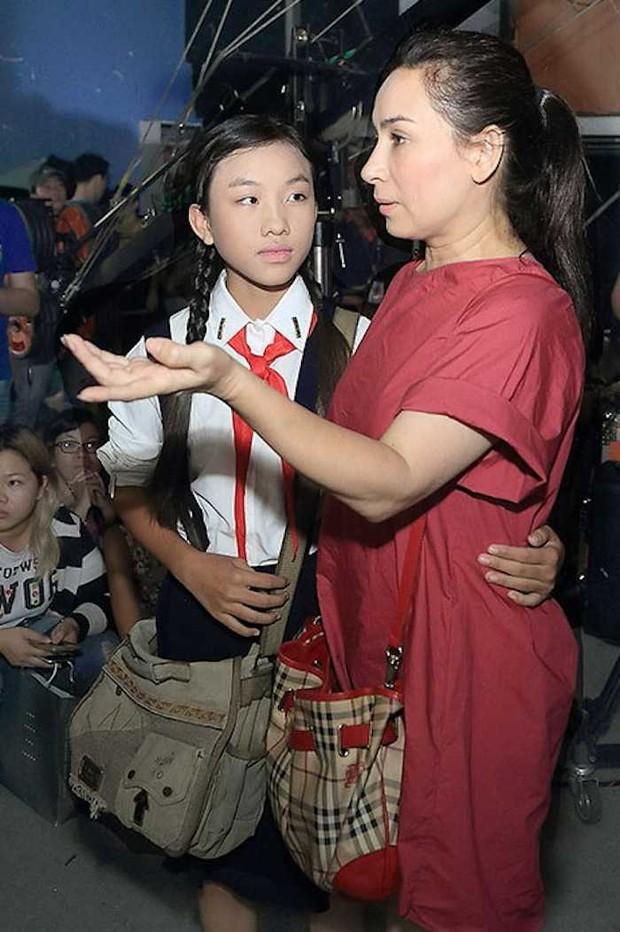Chị sinh đôi của Hồ Văn Cường từng khen mẹ nuôi Phi Nhung là một người tuyệt vời, nói gì về chuyện cát-xê? - Ảnh 2.