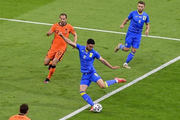 Hà Lan thắng hú hồn sau màn rượt đuổi mãn nhãn với 5 bàn thắng trong hiệp 2 - Ảnh 3.