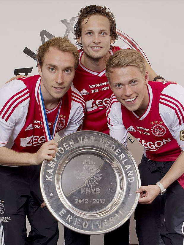 Đồng cảm với Eriksen, tuyển thủ Hà Lan từng 2 lần bị ngừng tim bưng mặt khóc nức nở khi thi đấu tại Euro  - Ảnh 3.