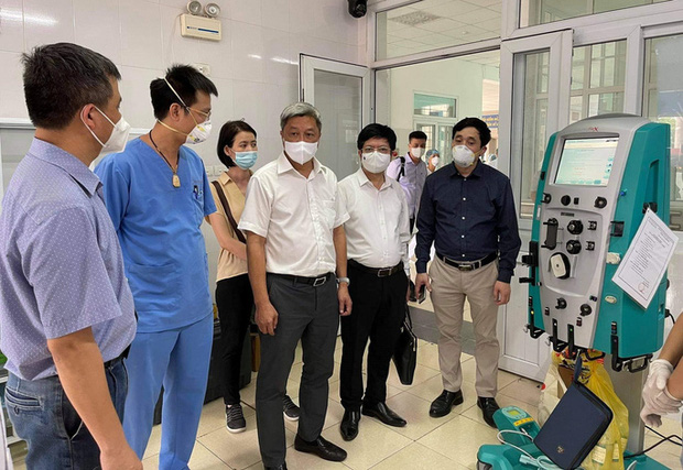 Thứ trưởng Nguyễn Trường Sơn rời tâm dịch Bắc Giang, nhận nhiệm vụ mới ở TP.HCM - Ảnh 3.