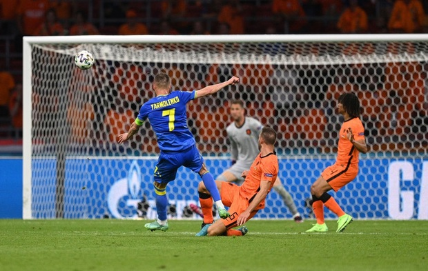 Hà Lan thắng hú hồn sau màn rượt đuổi mãn nhãn với 5 bàn thắng trong hiệp 2 - Ảnh 6.