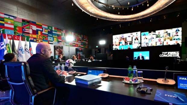 Sự cố Eriksen phơi bày bản chất đê tiện của UEFA - Ảnh 6.