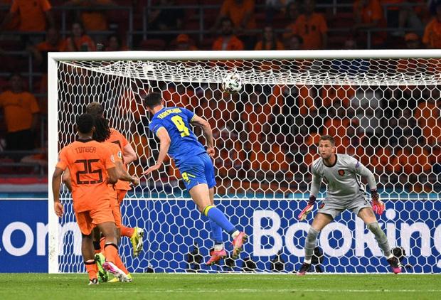 Hà Lan thắng hú hồn sau màn rượt đuổi mãn nhãn với 5 bàn thắng trong hiệp 2 - Ảnh 7.