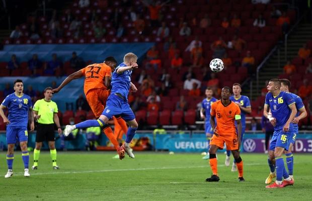 Hà Lan thắng hú hồn sau màn rượt đuổi mãn nhãn với 5 bàn thắng trong hiệp 2 - Ảnh 8.