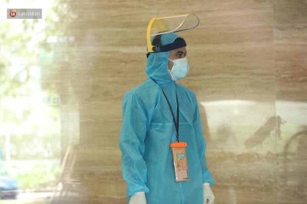 Ảnh, clip: Phong tỏa tạm thời tòa Landmark 3 ở quận Bình Thạnh, cách ly gần 2.000 người - Ảnh 16.