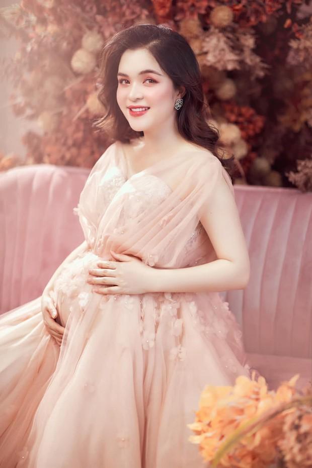 """Chị Kính Hồng nhà Hòa Minzy khoe visual """"đỉnh của chóp"""" dù đang mang bầu bé thứ hai! - Ảnh 3."""