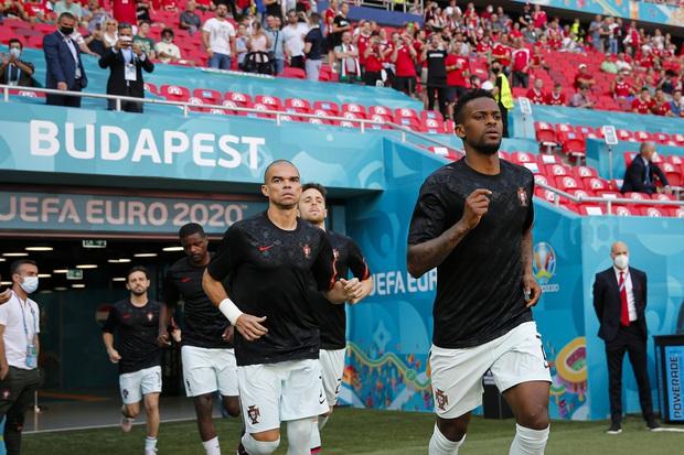 Bồ Đào Nha 3-0 Hungary: Ronaldo đi vào lịch sử với cú đúp - Ảnh 19.