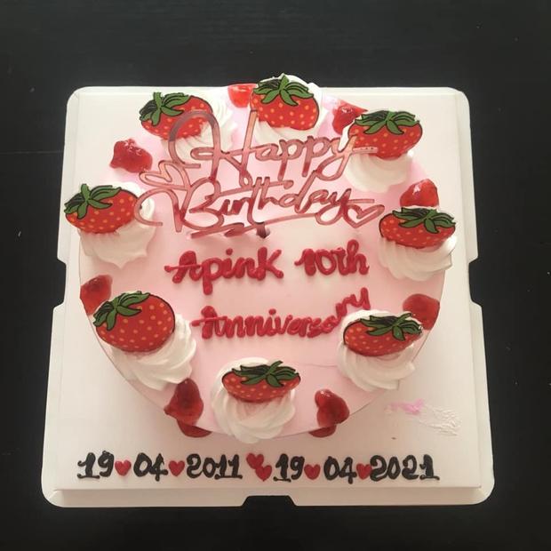 Cô gái yêu cầu viết lên bánh kem dòng chữ Happy Birthday như ảnh, thấy thành phẩm xong khổ chủ xỉu luôn 8 ngày chưa tỉnh - Ảnh 5.