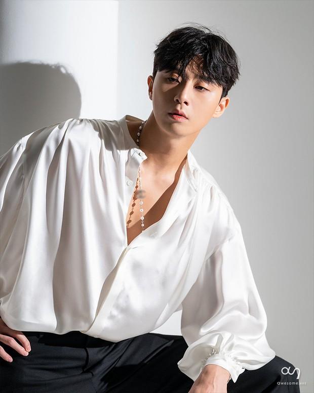 Park Seo Joon - tài tử cực phẩm đầu tiên xứ Hàn gia nhập Marvel: Từ tổng tài đến ông hoàng sân bay, chân dài 6 múi mlem xịt máu mũi - Ảnh 7.