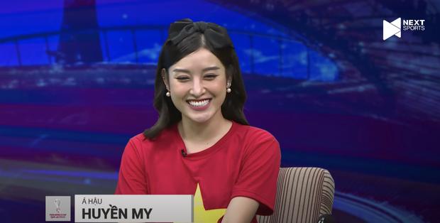 Á hậu Huyền My gây sốt với visual trên livestream bình luận bóng đá, còn bình luận 1 tràng về Đoàn Văn Hậu khiến anh em bất ngờ - Ảnh 4.
