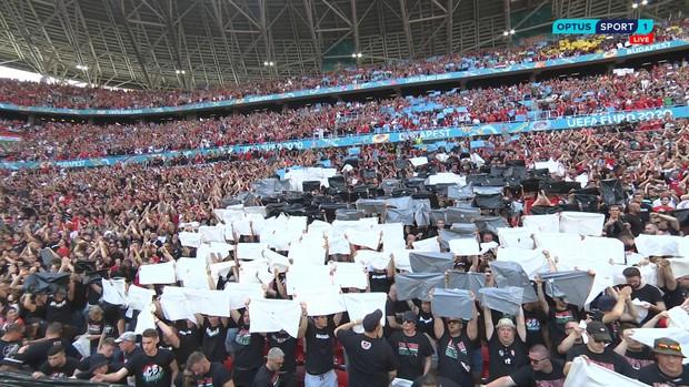 Khán giả ngồi kín đặc khán đài như chưa từng có... COVID-19 trong trận Bồ Đào Nha vs Hungary tại Euro 2020 - Ảnh 4.