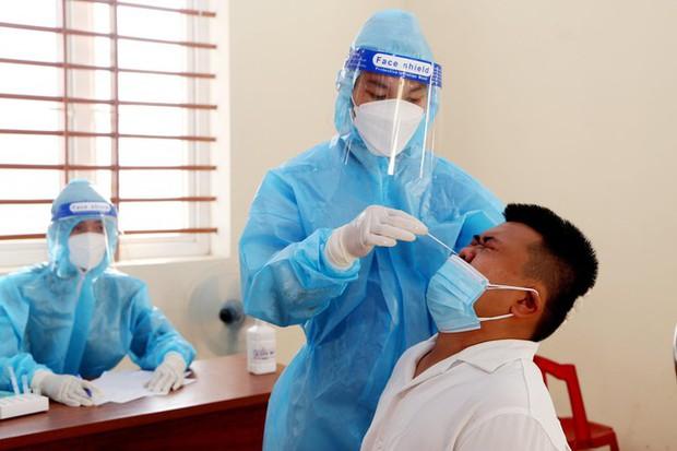 Thêm 3 ca dương tính mới, Hà Tĩnh có tổng 65 người nhiễm SARS-CoV-2 - Ảnh 1.