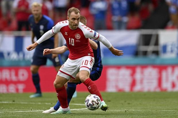 UEFA lên tiếng biện hộ về quyết định gây tranh cãi sau sự cố của Eriksen, báo Đan Mạch nghe xong bất bình phải lập tức đáp trả - Ảnh 1.
