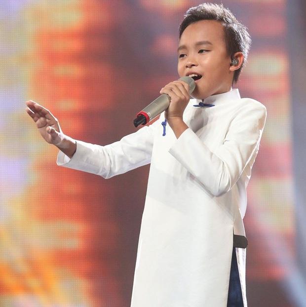 Độc quyền: Bầu show nổi tiếng khẳng định cát xê Hồ Văn Cường cao nhất 30 triệu, tiết lộ Phi Nhung gắng đính kèm con nuôi dù không mời - Ảnh 1.