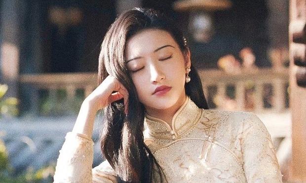 Top 10 phim có view khủng nhất nửa đầu 2021 trên Tencent: Nhiệt Ba - Tiêu Chiến khô máu với dàn bạn gái quốc dân? - Ảnh 6.
