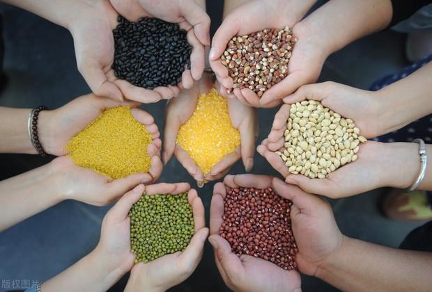 Ngũ cốc rất tốt cho cơ thể nhưng có 3 cách ăn sai có thể gây hại sức khỏe mà nhiều người mắc phải - Ảnh 1.